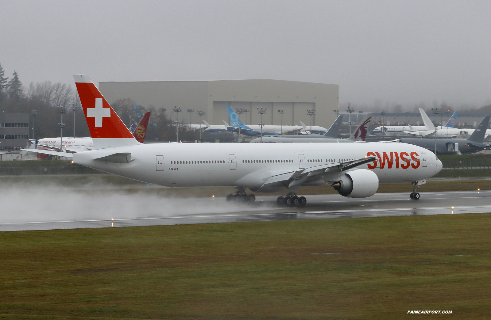 Swiss 777 HB-JNK at Paine Field