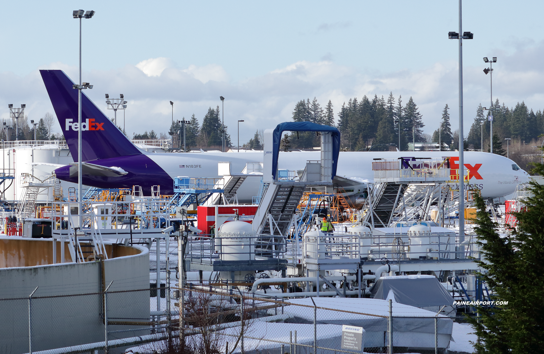 FedEx 767 N183FE at Paine Field