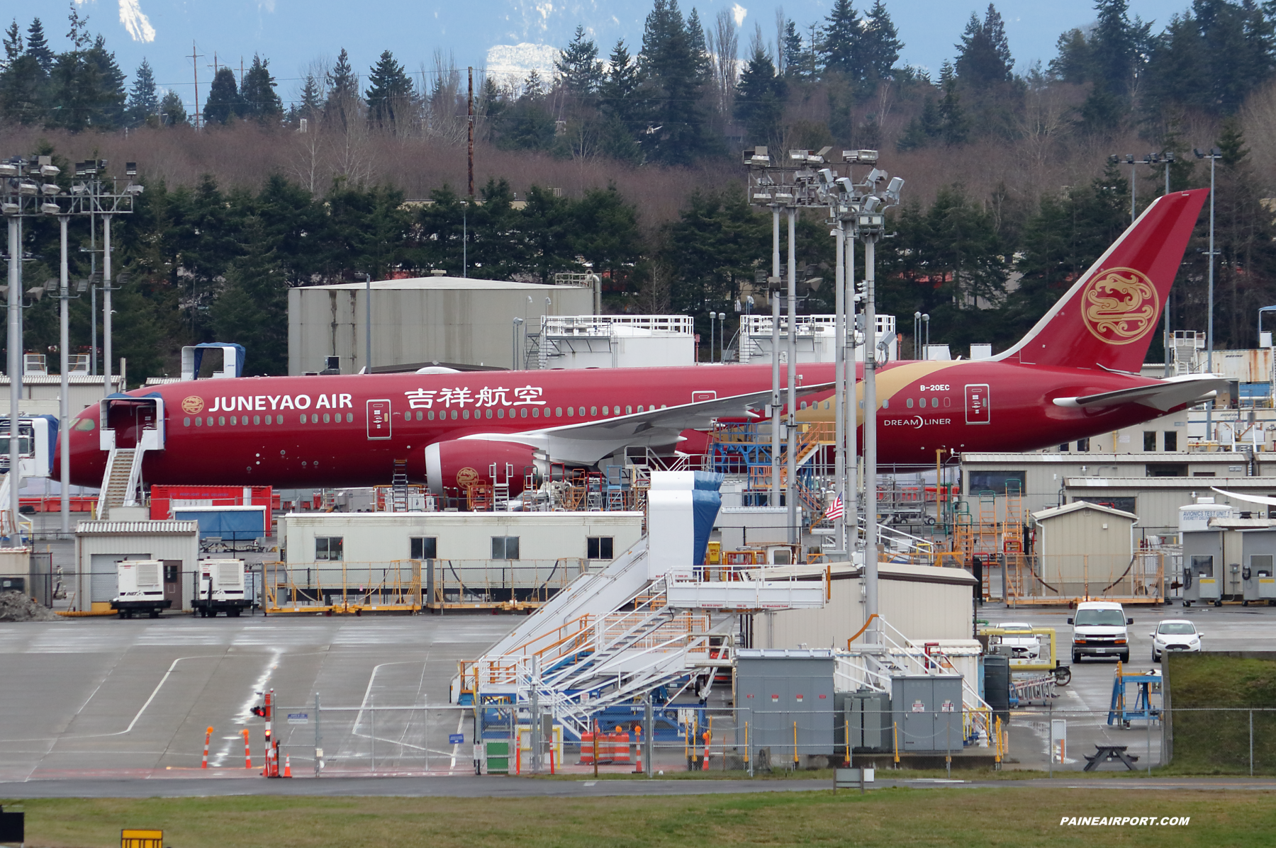 Juneyao Airlines 787-9 B-20EC at Paine Field