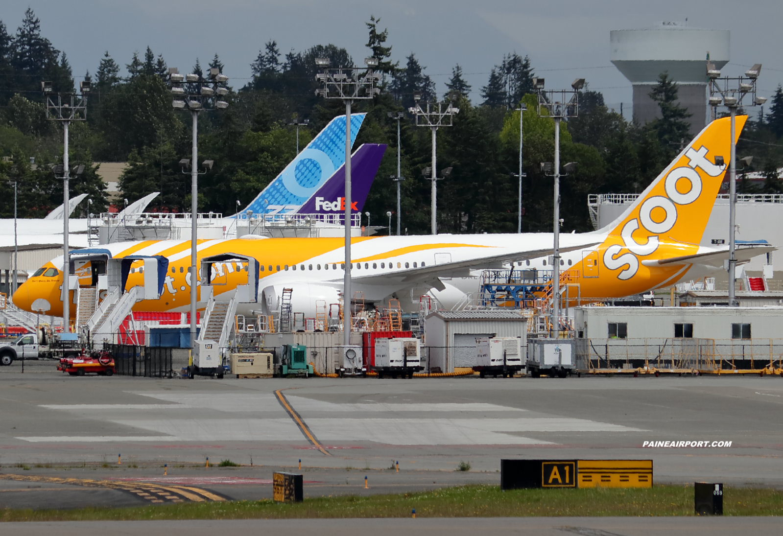 Scoot 787-8 9V-OFL at KPAE Paine Field