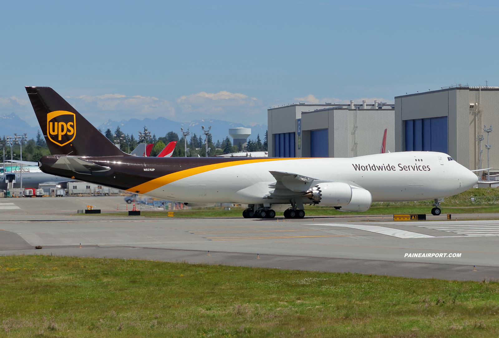 UPS 747-8F N621UP at KPAE Paine Field