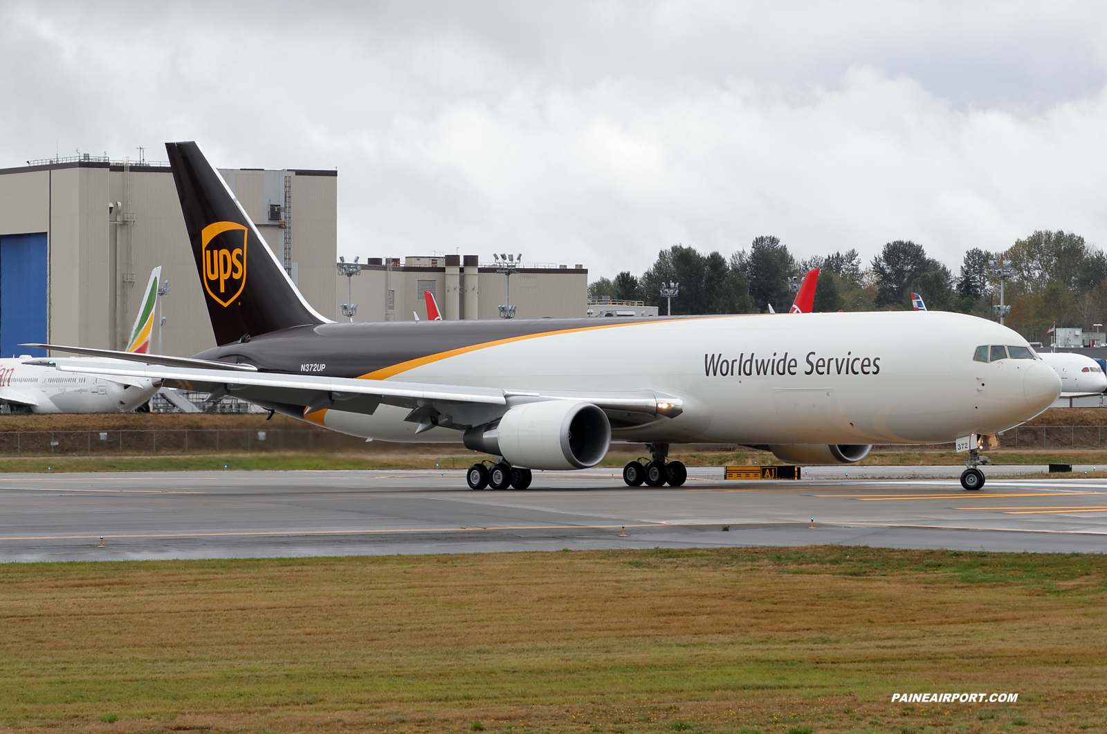 UPS 767 N372UP at KPAE Paine Field