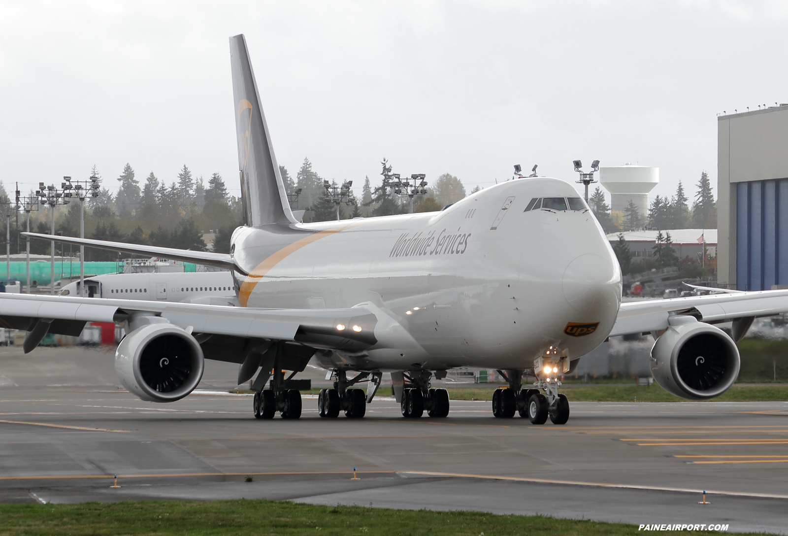 UPS 747-8F N623UP at KPAE Paine Field