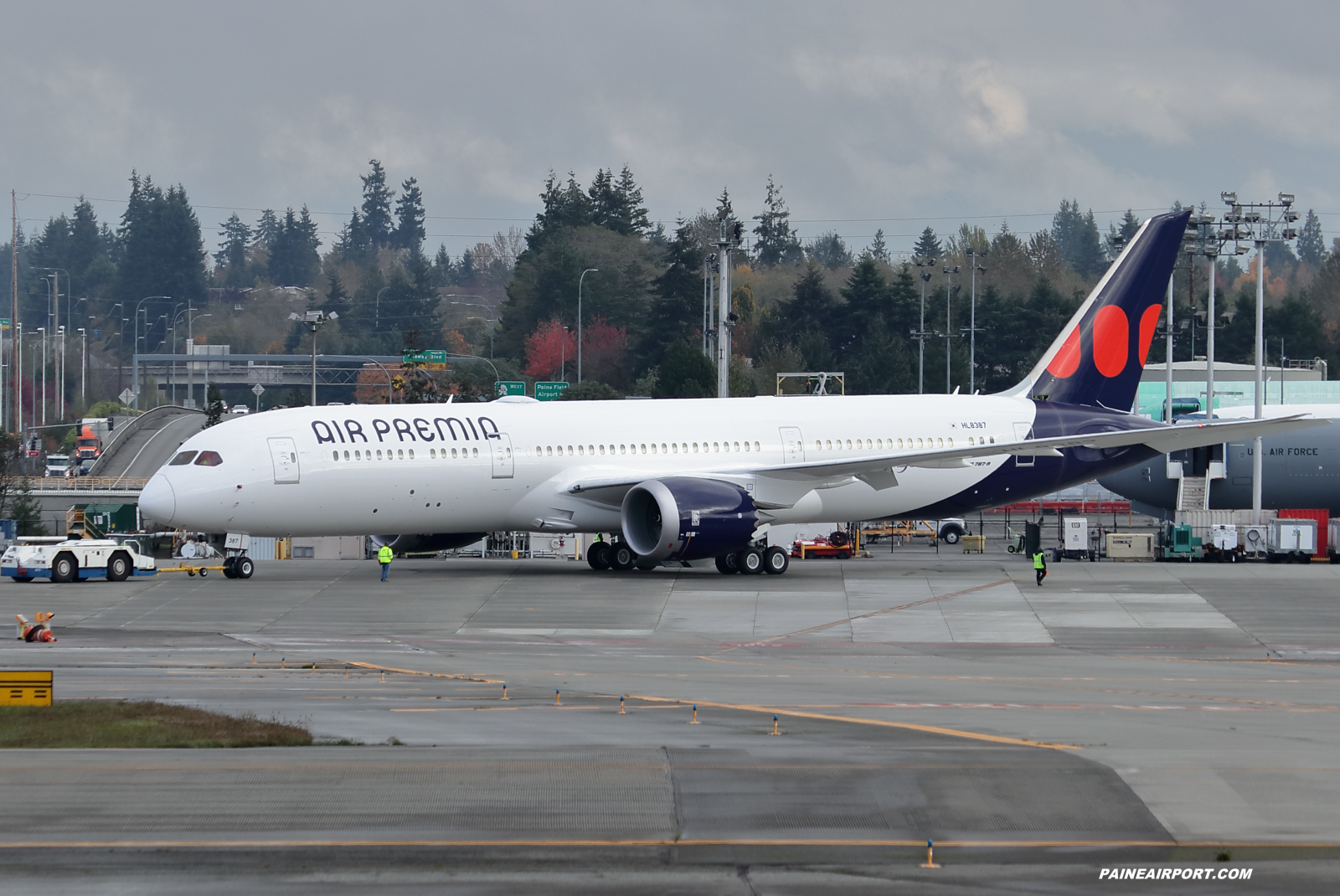 Air Premia 787-9 HL8387 at KPAE Paine Field