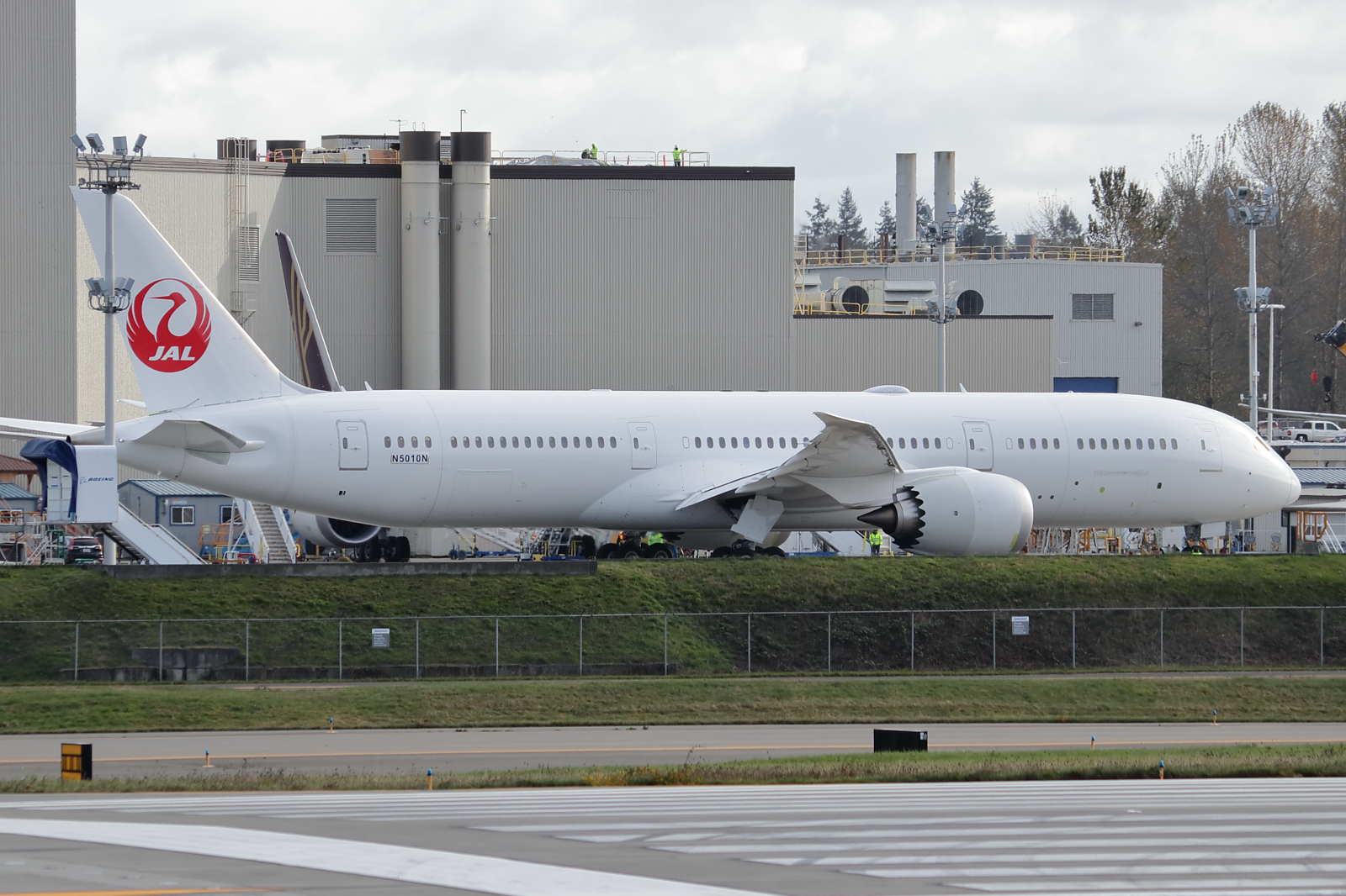 Japan Airlines 777-9 at KPAE Paine Field