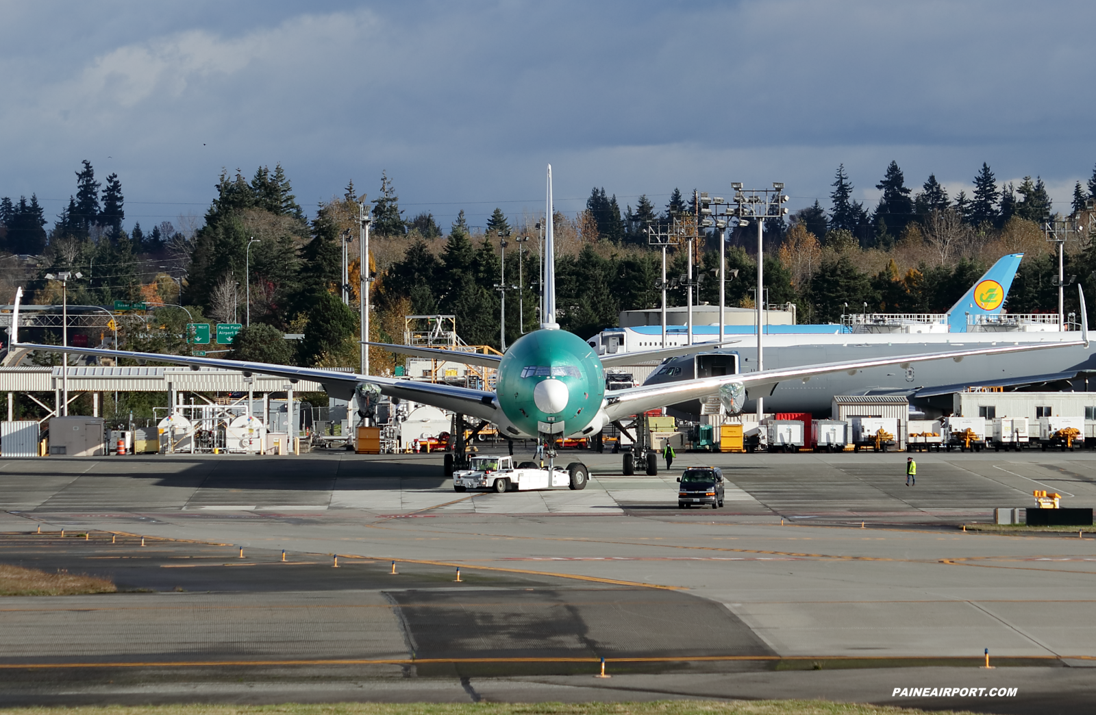 Emirates 777-9 A6-EZQ at KPAE Paine Field